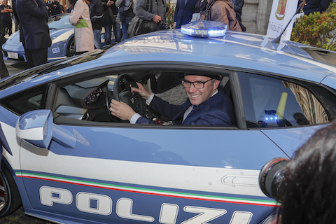 Lamborghini delivers new Huracan Polizia